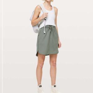Lululemon On The Fly Skirt *Woven Grey Sage